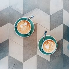 thejonmartincom:  / An ideal coffee shop to take the edge off stress and recover from a pint-sized jet-lag. by lilactrees http://ift.tt/1G4uEtv