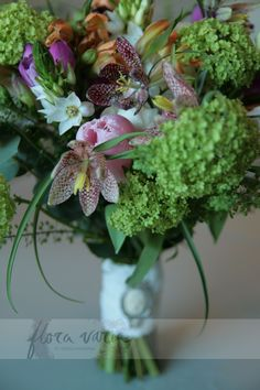 Hand-tied prsy bouquet, spring flowers; wild and relaxed.