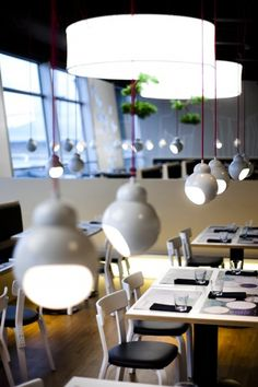 Fly Inn Restaurant Helsinki; interiors: dSign Vertti Kivi & Co; photo: Matti Immonen; product: artek