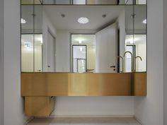 Annette Helle Architektur GmbH, Zürich Rigistrasse Zürich, 2014 Interior Architecture, Bathroom Lighting, Exterior, Mirror, Furniture, Home Decor, Architecture, Architecture Interior Design, Bathroom Light Fittings