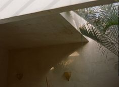 Photographer Philip Dixon Home Location: Venice Beach, Los Angeles, California Photographer: Justin Chung Moroccan Style Home Interior Design Design Your Home, Home Interior Design, House Design, English House, Spanish House, Dixon Homes, Japanese Minimalism, Contemporary Apartment, Site Design