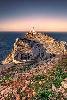 © Dirk Wiemer - www.dirkwiemer.de - Leuchtturm Cap de Formentor (Mallorca), Dämmerung, Formentor, Leuchtturm, Mallorca, Sonnenuntergang