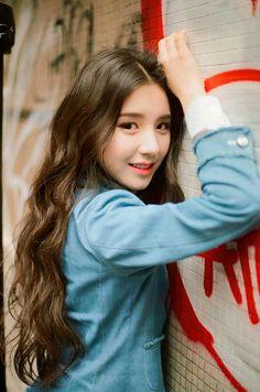 "[HD] LOOΠΔ 1/3 ""Love & Live"" Promo Pics - Imgur South Korean Girls, Korean Girl Groups, Your Girl, My Girl, Kpop Hair, Solo Pics, Best Kpop, Cute Girl Face, Cute Icons"