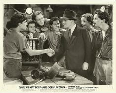 Angels with Dirty Faces Classic Movie Stars, Classic Movies, Leo Gorcey, Bogart Movies, Scottsboro Boys, The Bowery Boys, Kids Tumblr, James Cagney, Dead Ends