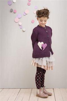 1402: Modell 7 Jakke med tovede hjerter #strikk #knit #alpakka