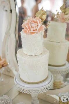 Photography by: lifeimages | Cake: Truffle Cake & Pastry