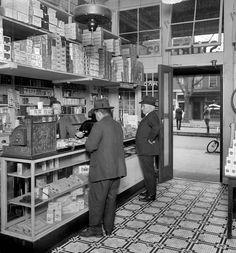Tobacco shop, Washington, DC, 1920.   Shorpy