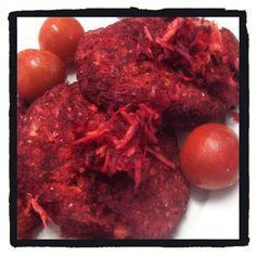 Homemade beetroot veggie patties. | @ ecovireo on Instagram
