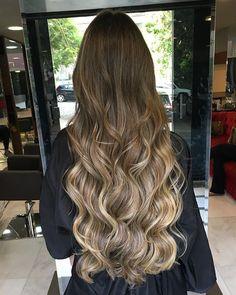 Projeto Along Hair – Recupere em 30 dias Brown Hair Balayage, Brown Blonde Hair, Brunette Hair, Hair Highlights, Ombre Hair, Ombre Blond, Hair Looks, Dyed Hair, Hair Inspiration