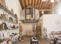Warby Parker Glass House: Arts District Neighborhood