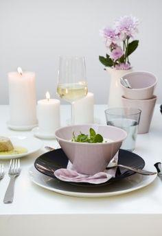. Kitchen Dishes, Kitchen Decor, Pastel Home Decor, Pastel House, Romantic Homes, Dish Sets, Nordic Design, Danish Design, Finland
