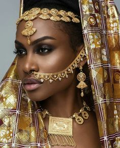 These Ankara head-wraps are for fashionistas who want something extraordinary! These Ankara head-wraps are for . Black Women Art, Beautiful Black Women, Black Girls, Beautiful Life, African Beauty, African Women, African Fashion, African Makeup, Hippie Goddess