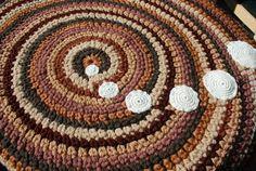 Brown handmade circle rug by irynabat25 on Etsy