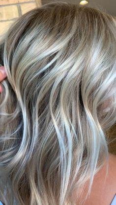 Cool Blonde Hair Colour, Silver Blonde Hair, Hair Color, Blonde Hair With Highlights, Honey Hair, Ombre Hair, Aesthetic Light, Honey Brown, Light Blonde