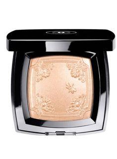 Chanel Mouche de Beaute illuminating powder .  Best Highlighters - Best Face and Skin Highlighter Makeup -