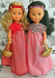 Primavera rosa y rojo Barbie, Doll Clothes, Dolls, Disney Princess, Quotations, Nostalgia, Hearts, Shoes, Sew Dress