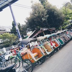 The becak, a tricycle that has one seat for about two people, is a common form of transportation in especially Asia. It was originally found in Japan. The yogyakartan becaks are different because they usually have mud guards around their wheels.