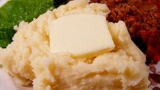 The is a copy cat recipe of the Red Lobster White Cheddar Mashed Potatoes. I love them but Red Lobster doesn't carry them any more. White Cheddar Mashed Potatoes Recipe, Creamed Potatoes, Mashed Potato Recipes, Lobster Dishes, Lobster Recipes, Fish Recipes, Copycat Recipes, Fish Batter Recipe