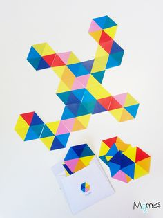 Les Hexadominos à imprimer de Momes sont une version hyper colorée et aussi bien plus sophistiquée du jeu de dominos. Il y a plusieurs niveaux de jeu (un peu comme les Dominos) et on peut aussi parfaitement détourner ces Hexadominos pour faire ce qu'on veut : décorer, apprendre les couleurs, etc. Mais la version la plus fun sera sans doute celle accessible dès 6-7ans : la version déglinguo ! On vous explique tout ci-dessous !
