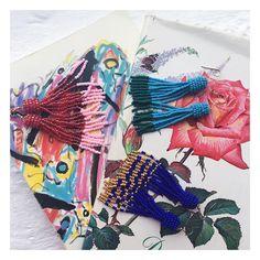 "89 Synes godt om, 41 kommentarer – Maria Halse (@mariaehalse) på Instagram: ""Godnat fra perlepaladset 🏰 (Just kidding, laver perler hele natten) #håndlavede #perleøreringe…"""