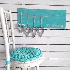 Cómo hacer una funda de silla en trapillo con ganchillo XL y dar un toque diferente a la decoración de tu hogar, combinando cualquier color.