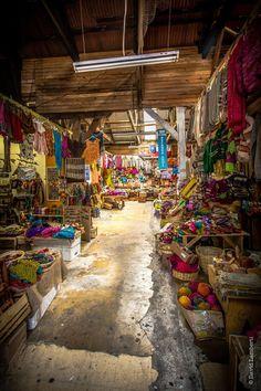 Mercado de artesanías, Puerto Montt, Chile.