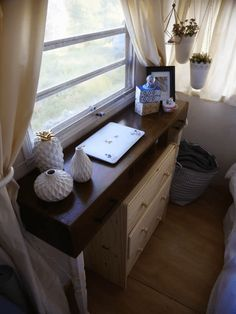 A cozy refurbished vintage Holiday Rambler, available for sale in Los Angeles! Trailers For Sale, Vintage Holiday, Corner Desk, Tiny House, Vintage Fashion, Interior Design, Furniture Ideas, Table, Home Decor