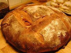 A házikenyérnél nincs is finomabb! Könnyen elkészíthető, olcsó recept és ha elkészíted biztos lehetsz benne, hogy a családod nem tartósítószerrel és adalékanyagokkal dúsított kenyeret fogyaszt![...] Hungarian Cake, Hungarian Recipes, Good Food, Yummy Food, Ciabatta, Bread And Pastries, Pie Dessert, Health Eating, Pastry Recipes