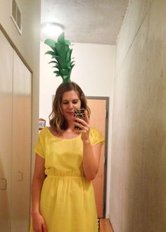 Halloween is a great time to share your creativity and show off DIY costumes. I'm sharing an easy DIY Pineapple Halloween costume with instructions. To make this pineapple topper you will need construction paper, a .