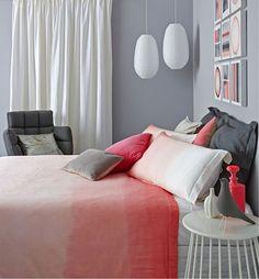 chambre ado avec mur gris fonce