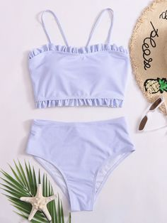 Swimsuits For Tweens, Bathing Suits For Teens, Cute Bathing Suits, Cute Swimsuits, Cute Bikinis, Teen Girl Outfits, Teen Fashion Outfits, Mode Du Bikini, Summer Outfits