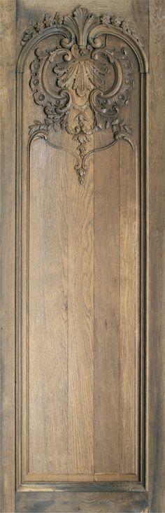 """Boiserie Kodry Dans son Jus, L 34,5 x H 110 cm env. - Koziel Imposture Visuelle d'une authentique boiserie ancienne datant du début du XIXème siècle. Dénichée """"dans son jus"""" en bois de chêne étonnement sculpté."""