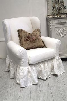 ❥ shabby chic linen ruffled wing chair