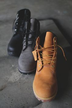 Timberland Boots, an American Icon ~ Fashion & Style Timberland Premium, Timberland Boots Outfit, Timberlands, Men's Shoes, Shoes Sneakers, Shoe Boots, Sports Footwear, Yellow Boots, Shoe Company