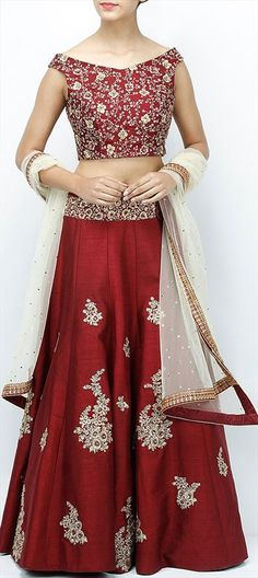 745481 Red and Maroon  color family Brides maid Lehenga, Mehendi & Sangeet Lehenga in Silk fabric with Machine Embroidery, Thread work .