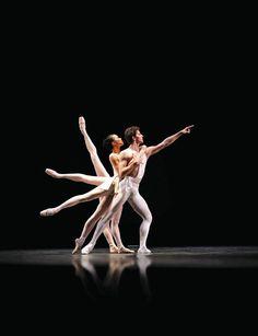 """The National Ballet of Canada, Guillaume Côté in Balanchine's """"Apollo"""" (Photo: Cylla von Tiedemann)"""
