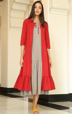 Beautiful Cotton Kueri-Jacket with samosas and frills embellishments. Western Dresses, Indian Dresses, Indian Outfits, Modest Fashion, Hijab Fashion, Fashion Dresses, Kurta Patterns, Dress Patterns, Kurta Designs