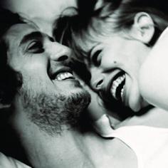 Homens engraçados proporcionam mais orgasmos nas mulhres!  Segundo estudo realizado na Universidade de Albany, EUA, homens engraçados proporcionam mais e melhores orgamos nas mulheres!