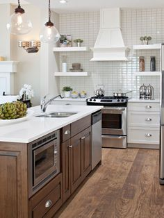Small Kitchen With Island And Gas Range Design, Pictures, Remodel, Decor and Ideas - page 10