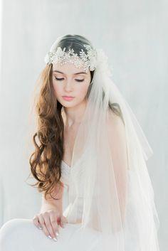 Crystal Lace Embroidered Juliet Veil - ANTOINETTE