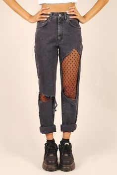 Pantalón roto media rejilla bota negro gris