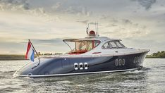 Sport Yacht, Cruiser Boat, Small Yachts, Deck Boat, Lower Deck, Below Deck, Cool Boats, Super Yachts, Speed Boats