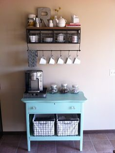 Coffee Bar Ideas - Looking for some coffee bar ideas? Here you'll find home coffee bar, DIY coffee bar, and kitchen coffee station. Coffee Nook, Coffee Bar Home, Coffee Corner, Coffee Bars, Coffee Shops, Coffee Maker, House Coffee, Drink Coffee, Starbucks Coffee