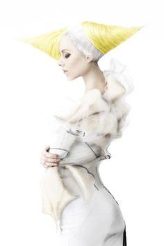alternative girl, hairstyle, yellow hair, white hair, strange, futuristic look, future fashion, amazing, unique, awesome, fashion girl by FuturisticNews.com