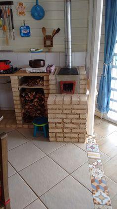 Backyard Kitchen, Outdoor Kitchen Design, Home Decor Kitchen, Kitchen Interior, Wooden House Design, Brick Bbq, Dirty Kitchen, Diy Storage Shelves, Backyard Storage