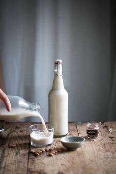 Hur Man Gör Egen Mandelmjölk :: How to Make Your Own Almond Milk