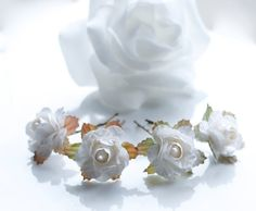 Set of 4 Bridal rose flower hair clips by DesignsByFlory on Etsy #craftshout #shoppershour #shopetsy