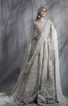 Indian Pakistani Bridal Anarkali Suits & Gowns Collection Wedding Fancy Anarkali suits for Asian brides in best designs and styles. Pakistani Wedding Outfits, Bridal Outfits, Indian Dresses, Indian Outfits, Moda India, Bridal Anarkali Suits, Bridal Sarees, Bollywood, Pakistani Couture