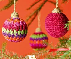 Bunte Weihnachtskugeln für den Baum - Häkelanleitung via Makerist.de