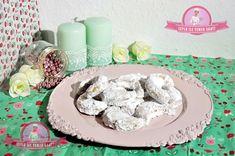 Hakiki Kavala Kurabiyesi Tarifim   Leyla İle Yemek Saati Turkish Recipes, Jar, Plates, Cookies, Tableware, Kitchen, Desserts, Food, Drink